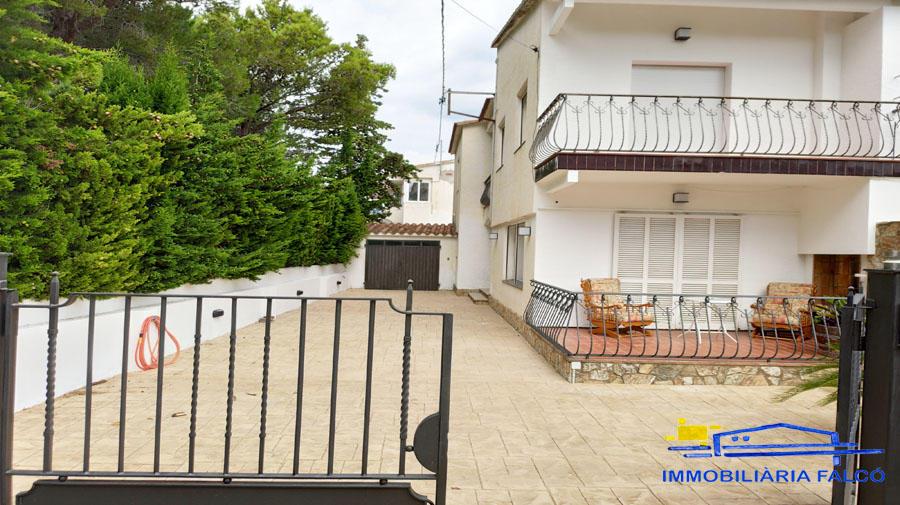Casa -                                       Llançà -                                       4 dormitoris -                                       8 ocupants